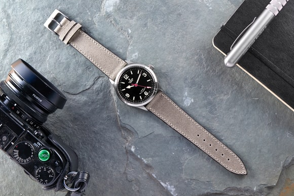 b3e2d2d340d Hodinkee - The HODINKEE Shop Valentine s Day Gift Picks (Including ...