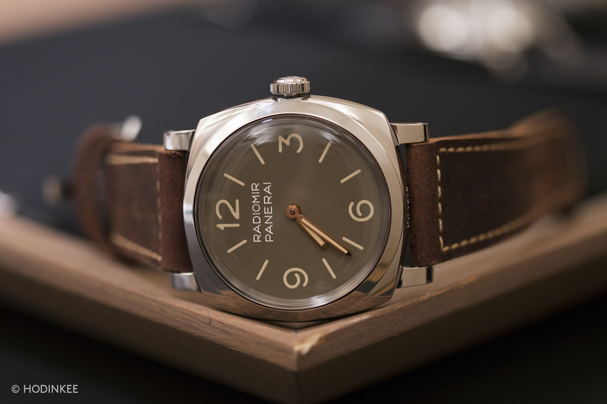Hands-On: The Panerai Radiomir 1940 3 Days PAM 662 And Luminor 1950 PAM 663 Hands-On: The Panerai Radiomir 1940 3 Days PAM 662 And Luminor 1950 PAM 663 Radiomir 1940 3 Days PAM 662 side
