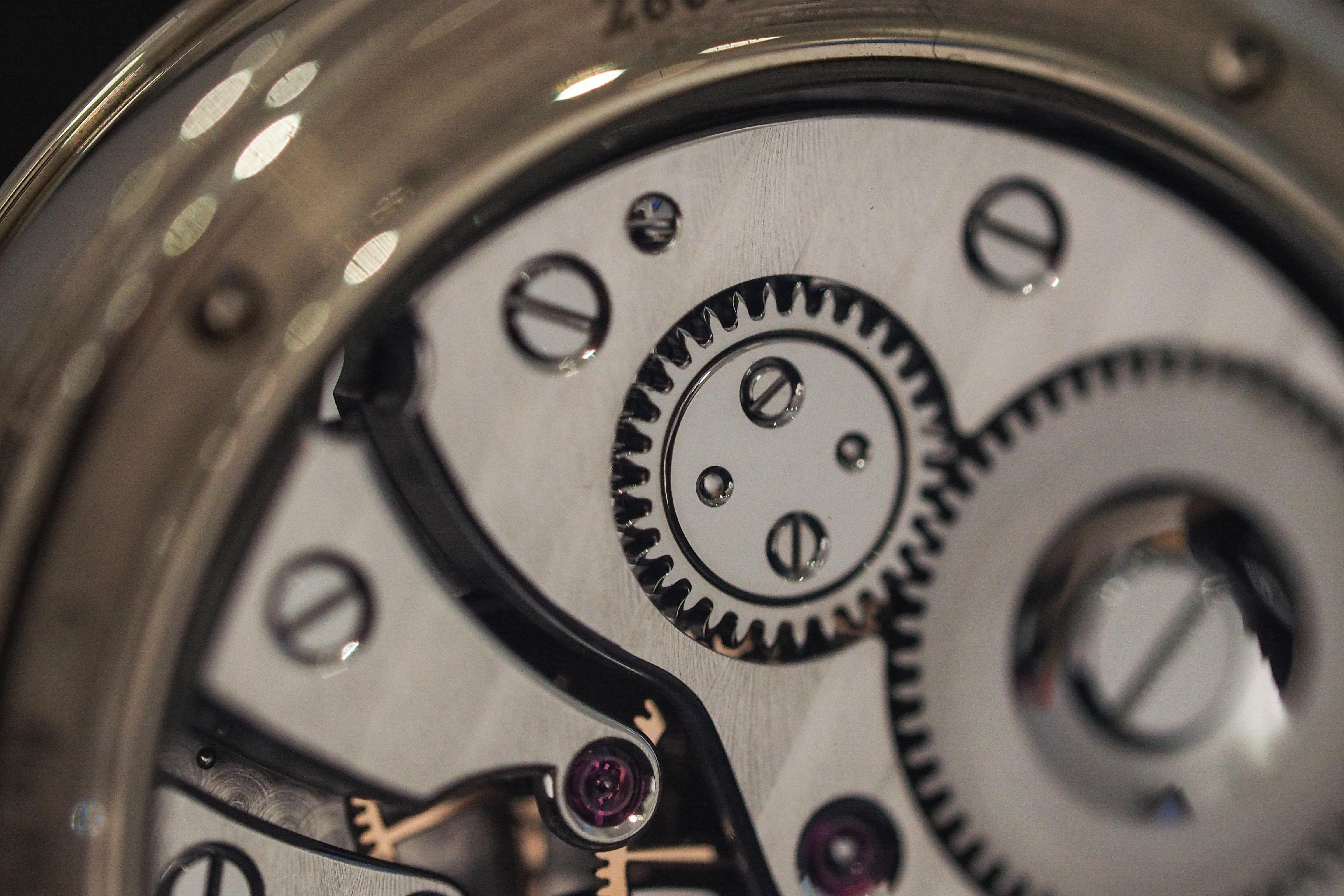 Voutilainen Vingt-8 crown wheel closeup Hands-On: Kari Voutilainen's Unique Platinum GMT-6 And Burgundy Dial Vingt-8 Hands-On: Kari Voutilainen's Unique Platinum GMT-6 And Burgundy Dial Vingt-8 P1200450