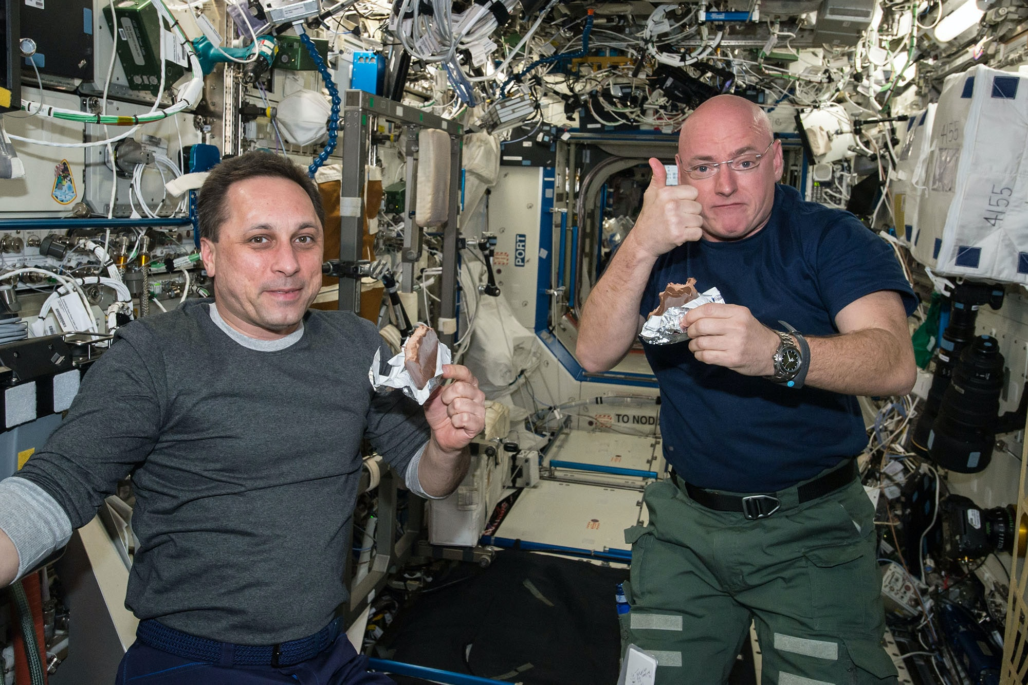 Scott Kelly ISS Speedmaster X-33 The Watches Worn By NASA Astronaut Scott Kelly, Holder Of New U.S. Spaceflight Endurance Record The Watches Worn By NASA Astronaut Scott Kelly, Holder Of New U.S. Spaceflight Endurance Record 01 ISS 43 Anton Shkaplerov and Scott Kelly in Destiny lab