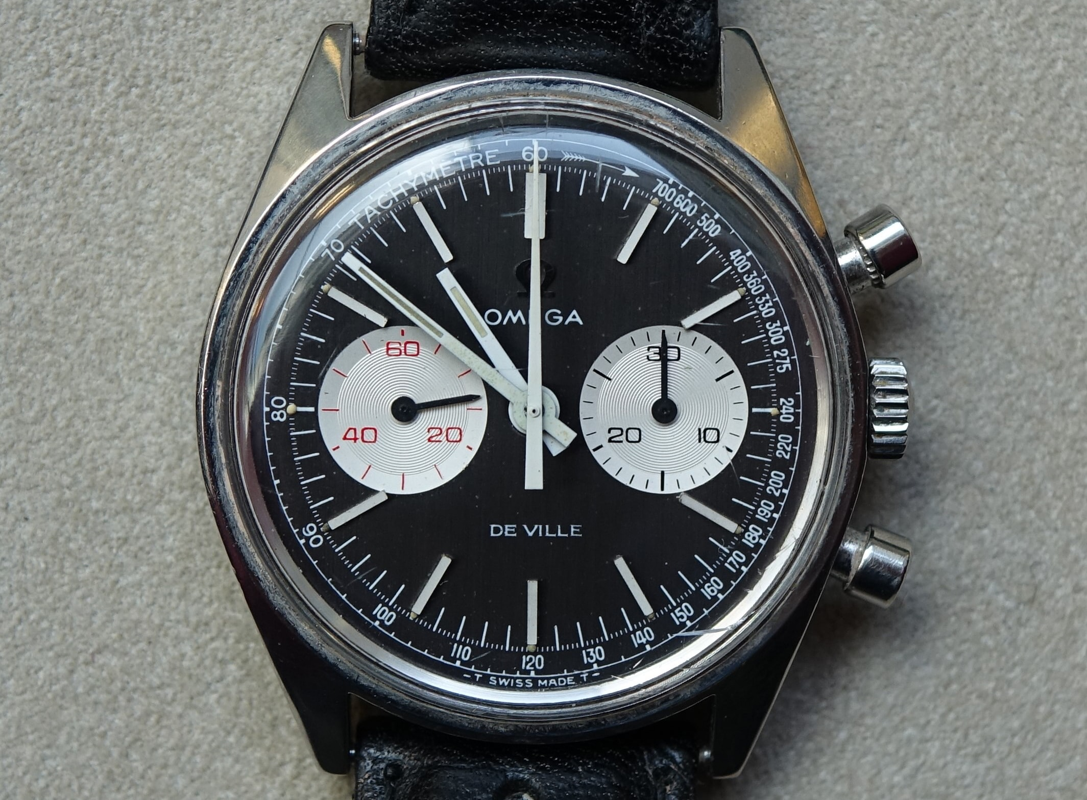 Omega DeVille Chronograph Reference 145.017 First Look: Five Unexpected Vintage Lots From The Upcoming Watches Of Knightsbridge Auction First Look: Five Unexpected Vintage Lots From The Upcoming Watches Of Knightsbridge Auction 1