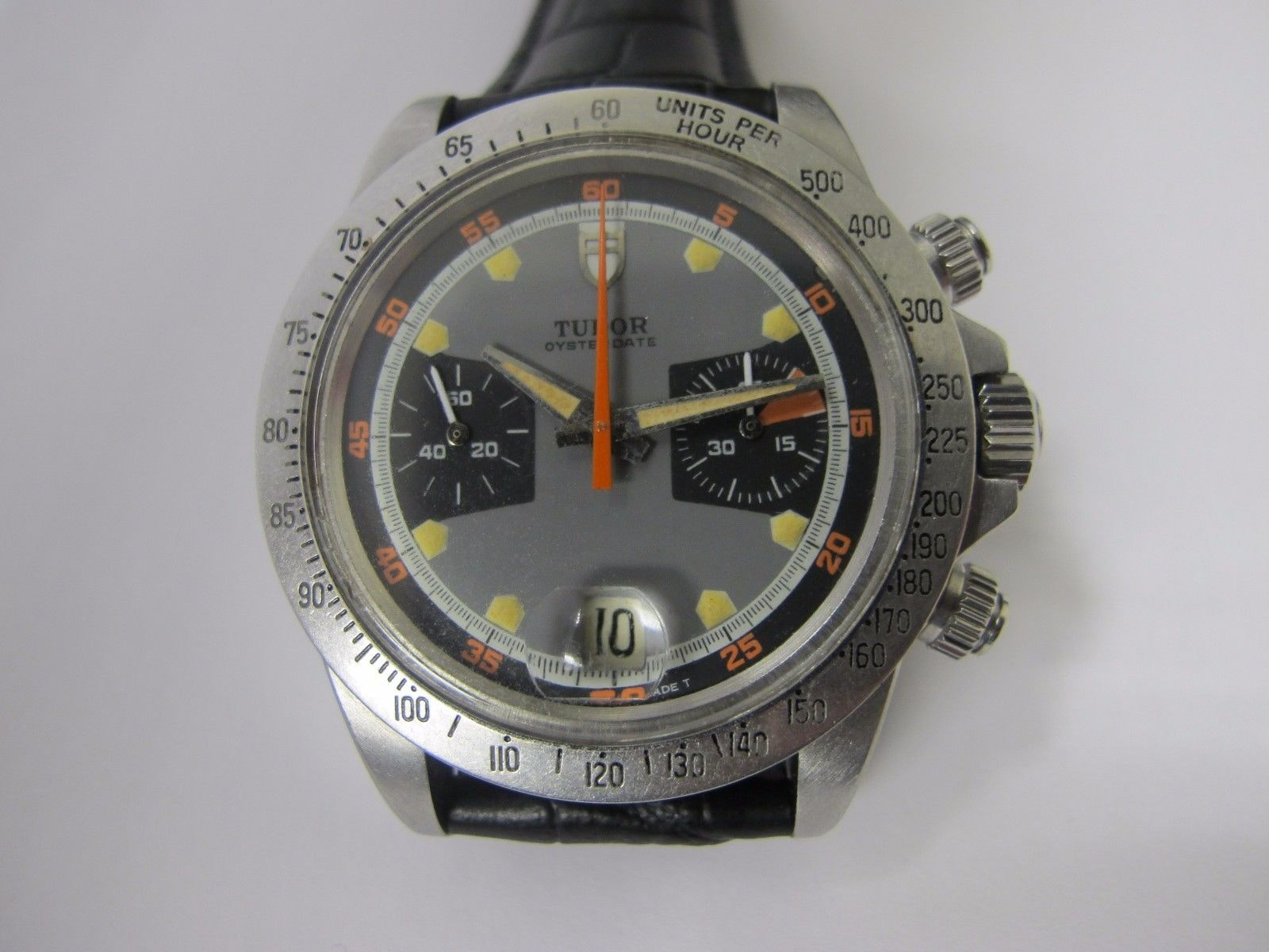 Don't bid on this fraudulent Tudor chronograph Bring a Loupe: Vintage Chronographs And Dive Watches From Universal Geneve, Breitling, Lip, And Others Bring a Loupe: Vintage Chronographs And Dive Watches From Universal Geneve, Breitling, Lip, And Others Fake Tudor